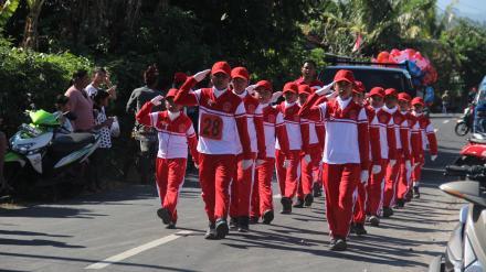 HUT RI Ke-73, SD Negeri Titab Ikut Berpartisipasi Lomba Gerak Jalan