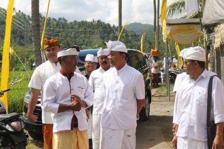 Wakil Bupati Buleleng Hadiri Upacara Ngenteg Linggih Di Pura Prajapati Desa Pakraman Titab