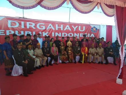 Peringatan HUT RI Ke 74 Peserta Upacara Kenakan Baju Adat Khas Bali